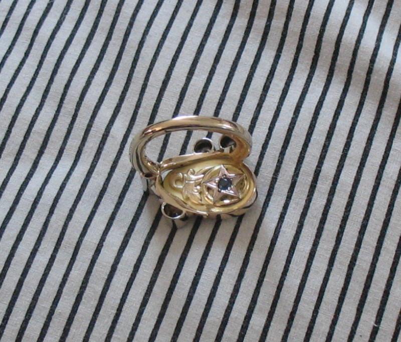 Heirloom Engravers Worldwide | Elk Ivory Ring with Diamonds